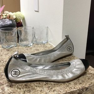 •AS IS LOW PRICE• $990 RETAIL LEATHER CHANEL FLATS